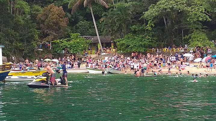 imagem da ilha das couves no verão 2019