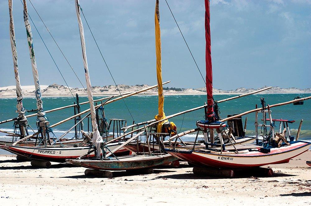 imagem das Jangadas da praia de Fleixeiras, CE.