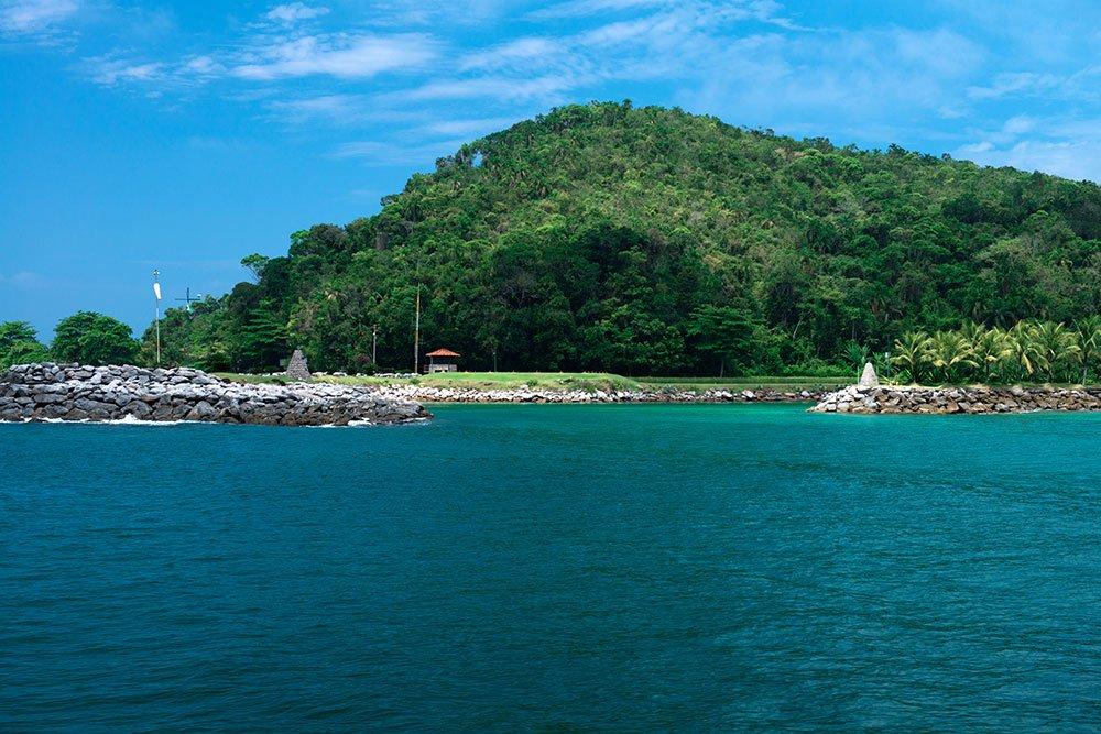 imagem da entrada de Laranjeiras para quem vem do mar.