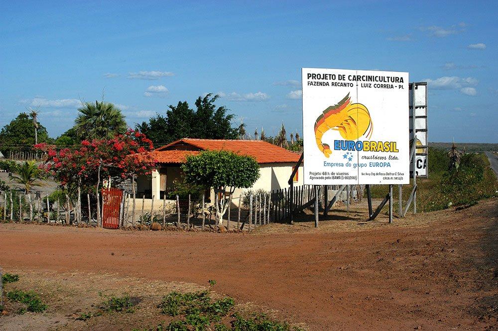 imagem de placa da Fazenda Recanto, da Eurobrasil Crustáceos, empresa do Grupo Europa