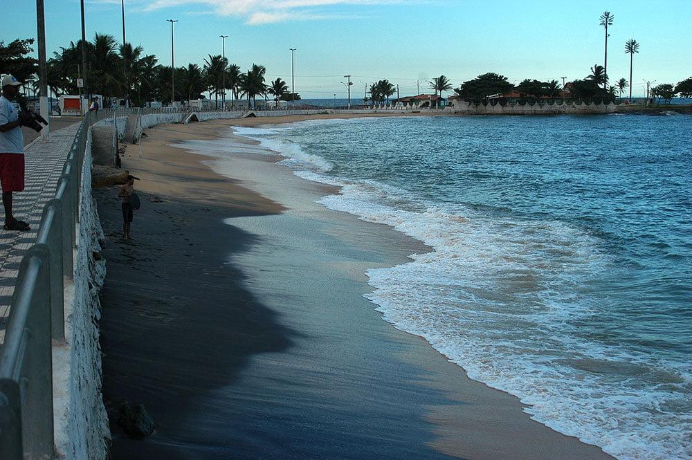 imagem de praia no Espírito Santo