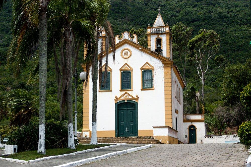 imagem da Igreja de Ribeirão da lha.