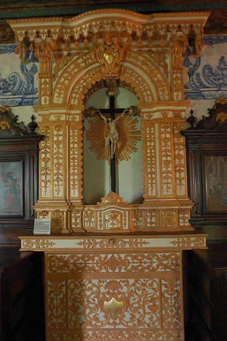 imagem de altar em madeira do convento de santo antônio