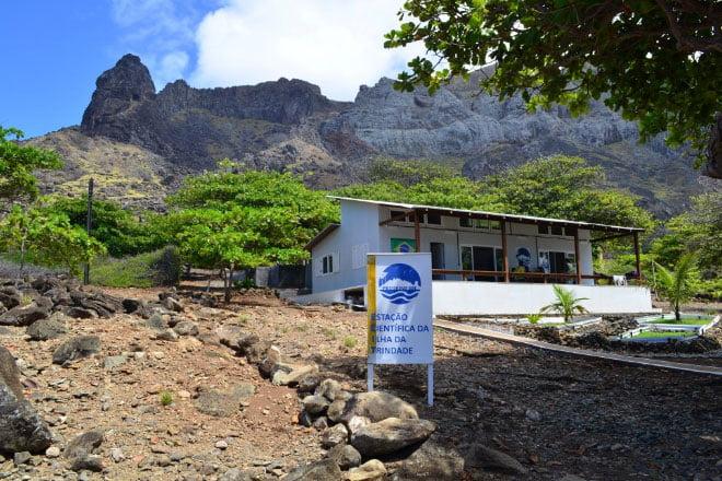 imagem da Estação Científica da ilha da Trindade