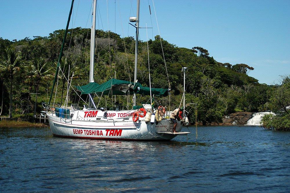imagem do veleiro ar Sem Fim em Tremembé.