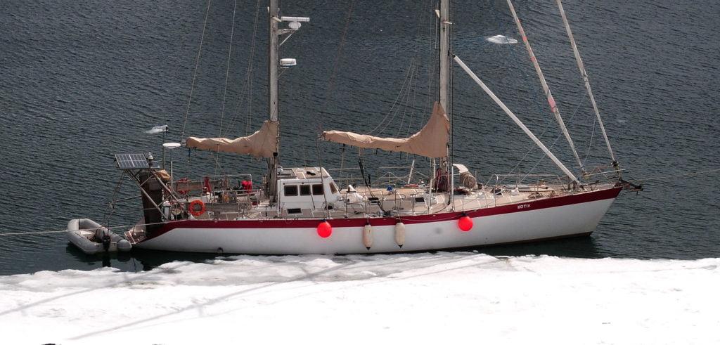 imagem do O Kotic II, da família Bely, na Antártica