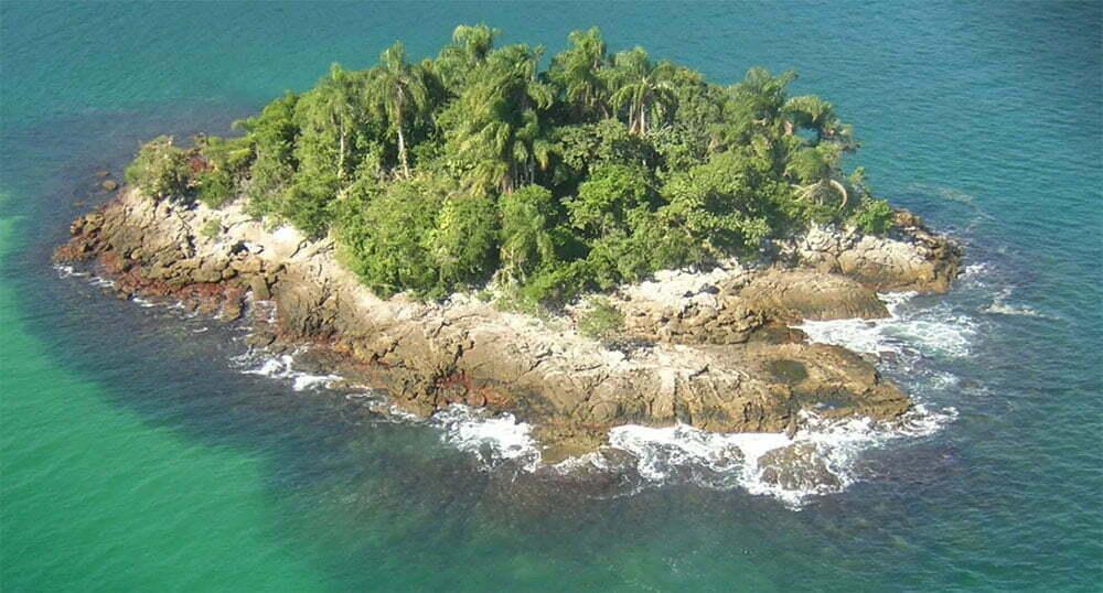 imagem de ilha deserta na esec de tamoios