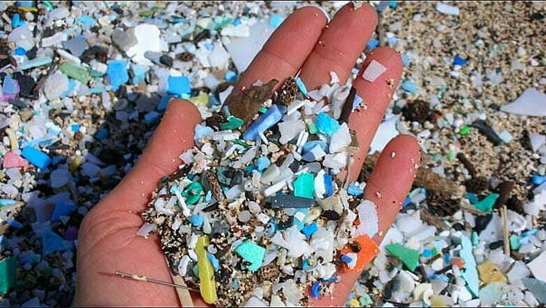 imagem de partículas de plástico