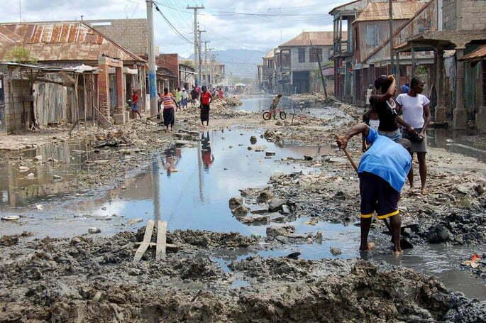 Imagem de falta de saneamento básico no Brasil