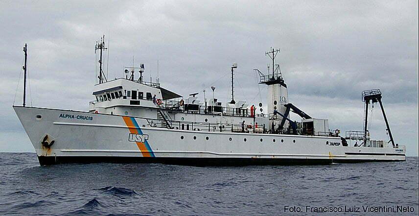 imagem do navio oceanográfico Alpha Crucis
