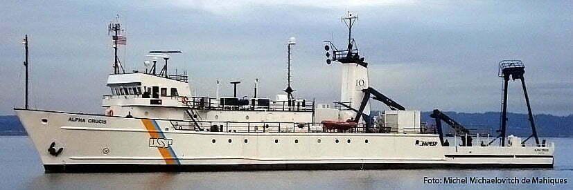 imagem do navio ocenográfico alpha crucis