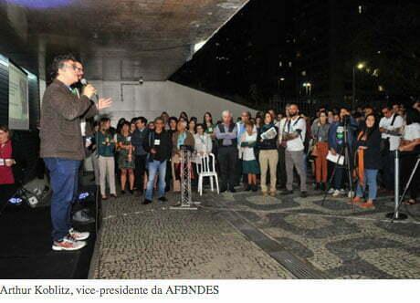 imagem de protesto contra mudanças no fundo amazônia