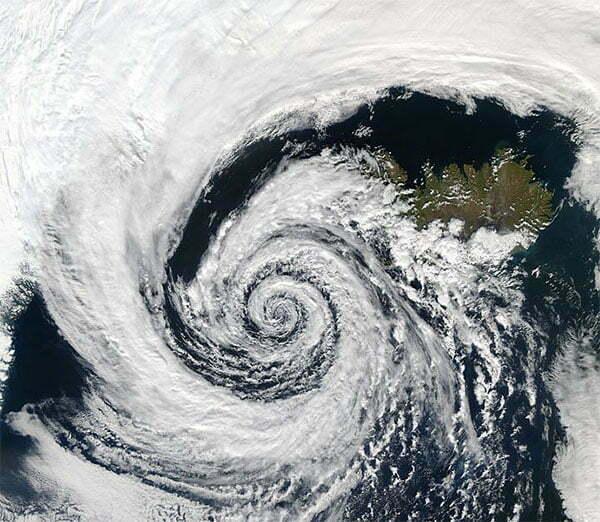 imagem a formação de ciclone