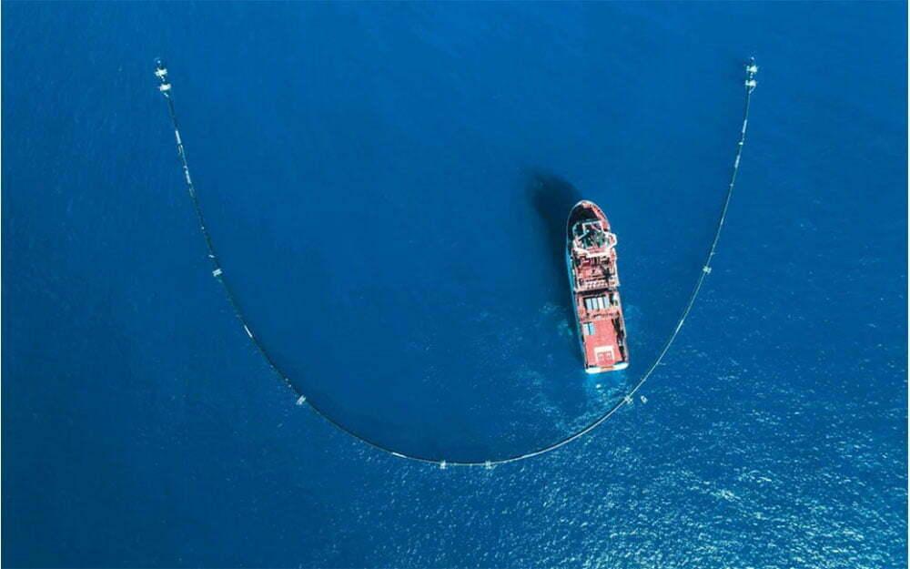 imagem de sistema para recolher plástico da mancha de lixo do Pacífico
