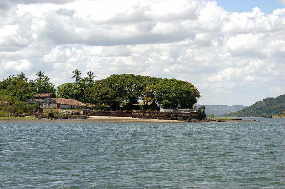 imagem da fazenda calamina no rio paraguaçu