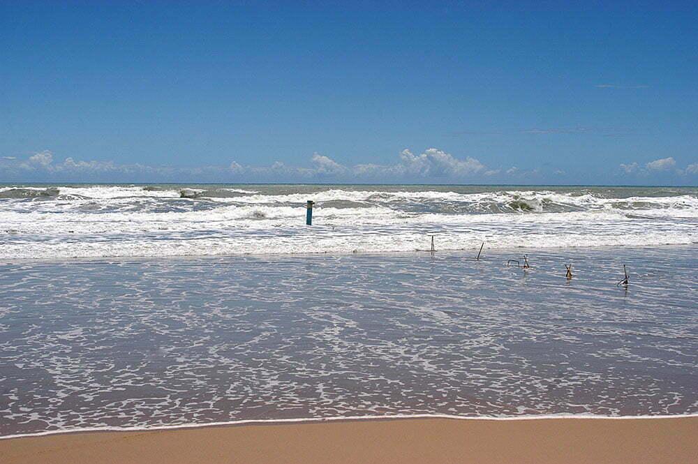 imagem de poluição do mar por fazenda de carcinicultura