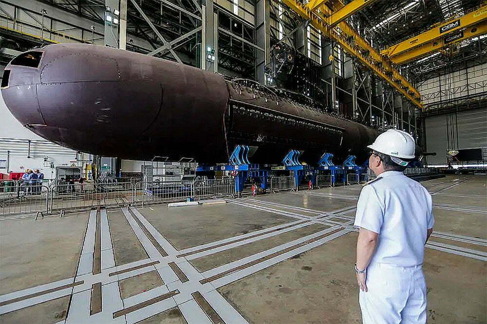 imagem do submarino Humaitá no estaleiro