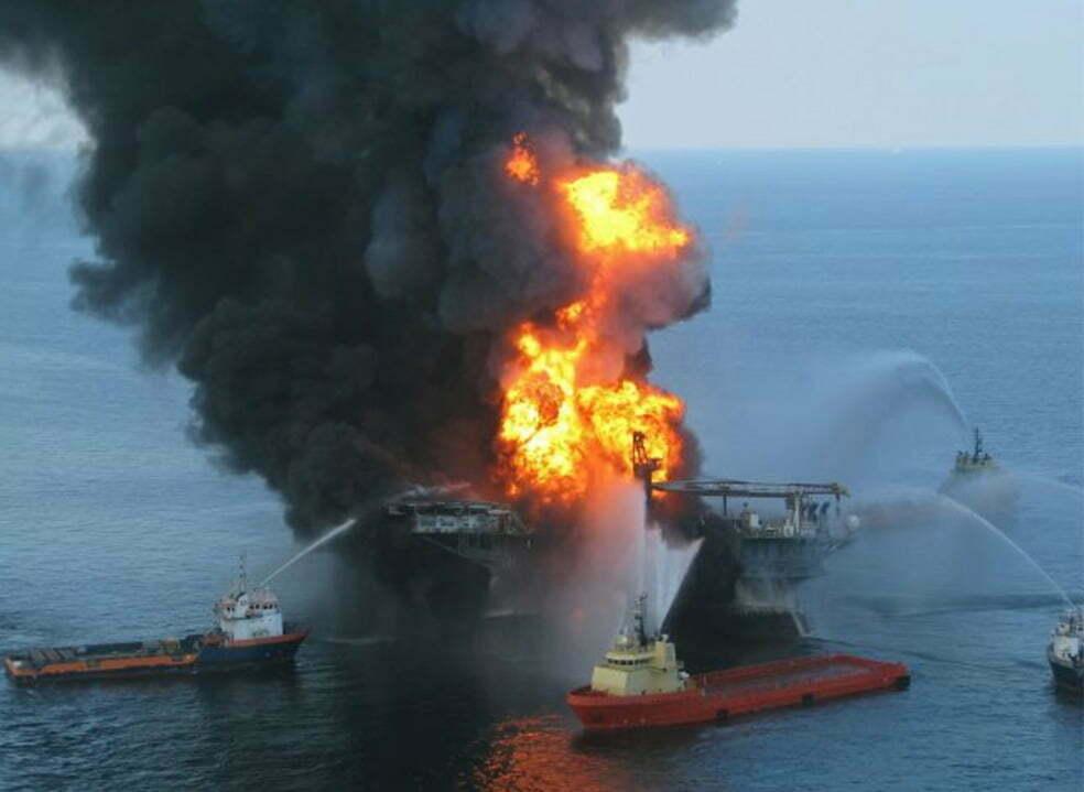 imagem do acidente da BP n golfo do México