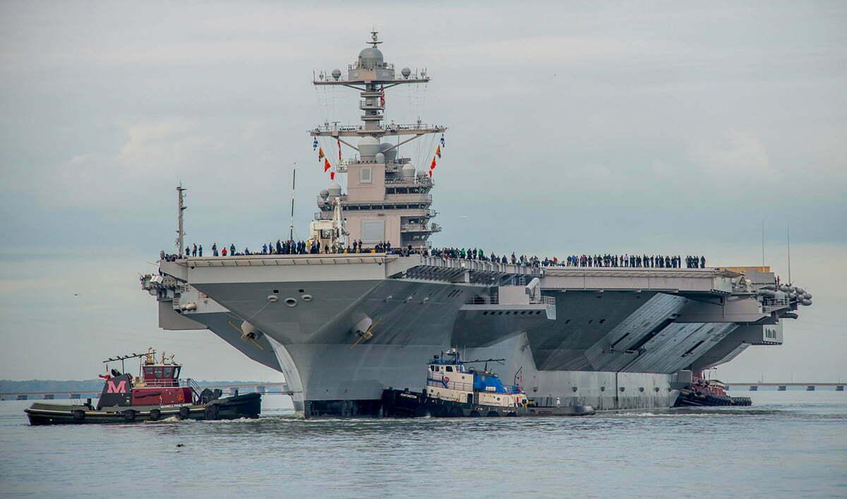 imagem do maior porta aviões do mundo, o USS Gerald R. Ford
