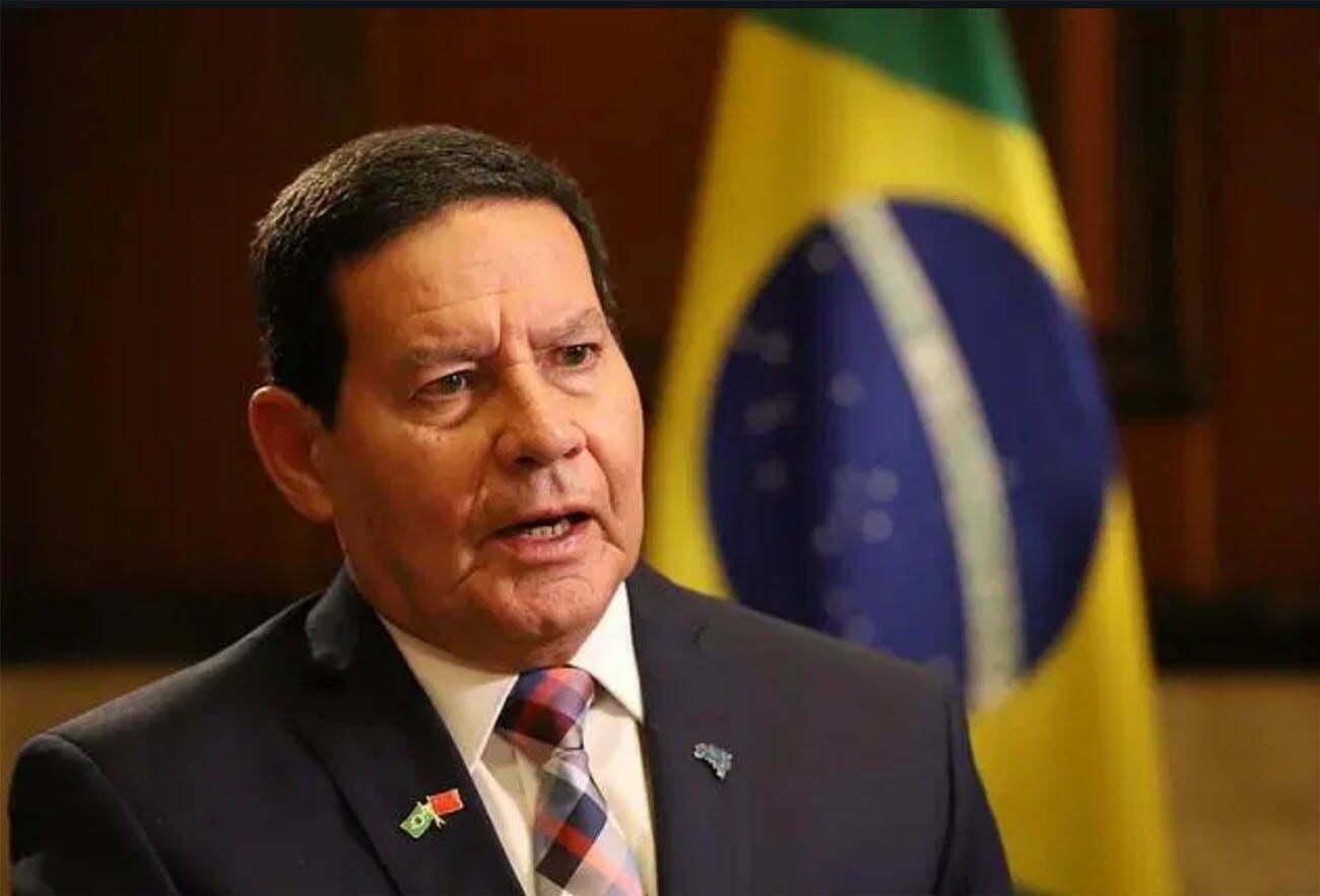 Image de Hamilton Mourão, designado chefe do conselho da Amazônia