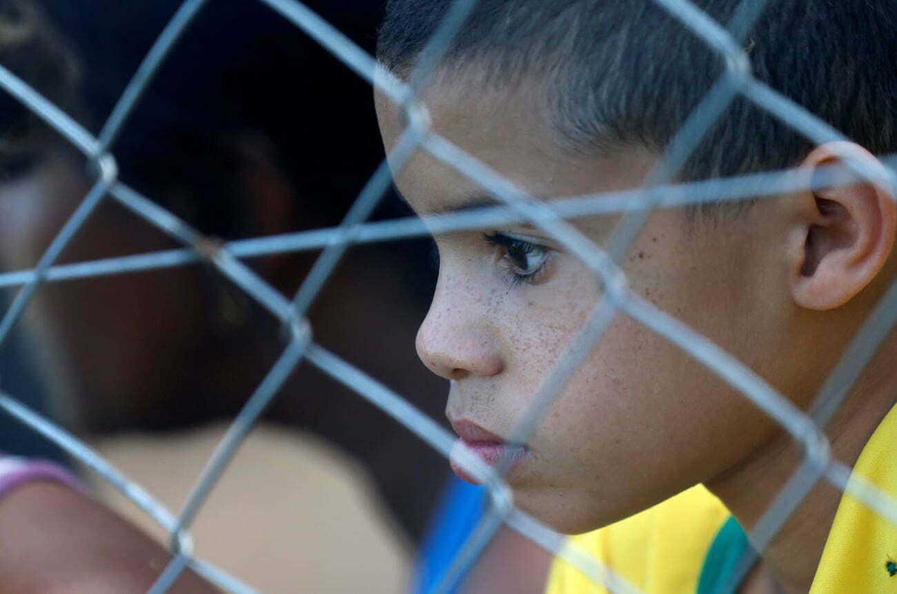 imagem de menino em Brumadinho