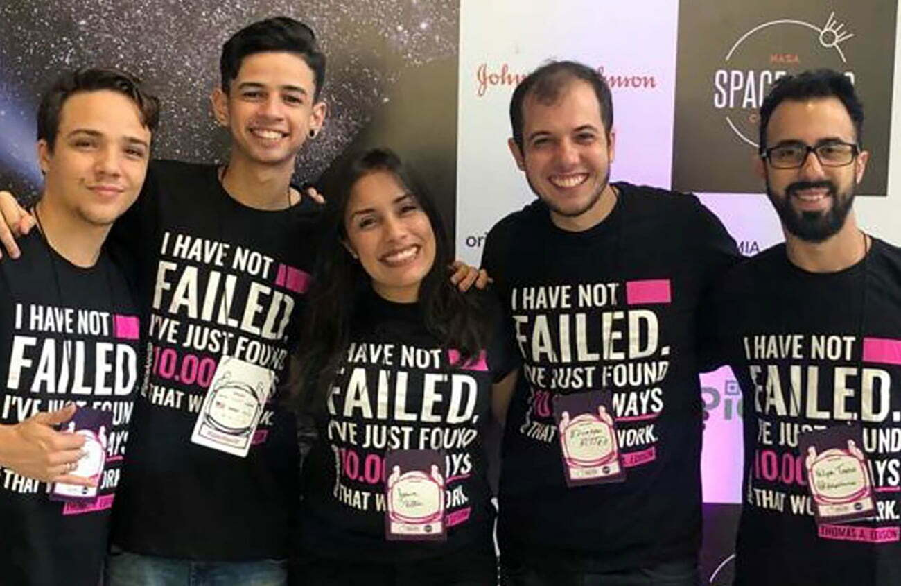Imagem da equipe paulista vencedora de concurso da Nasa