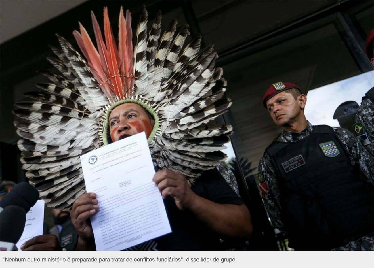 imagem de índia discursando contra política indígena de Bolsonaro.