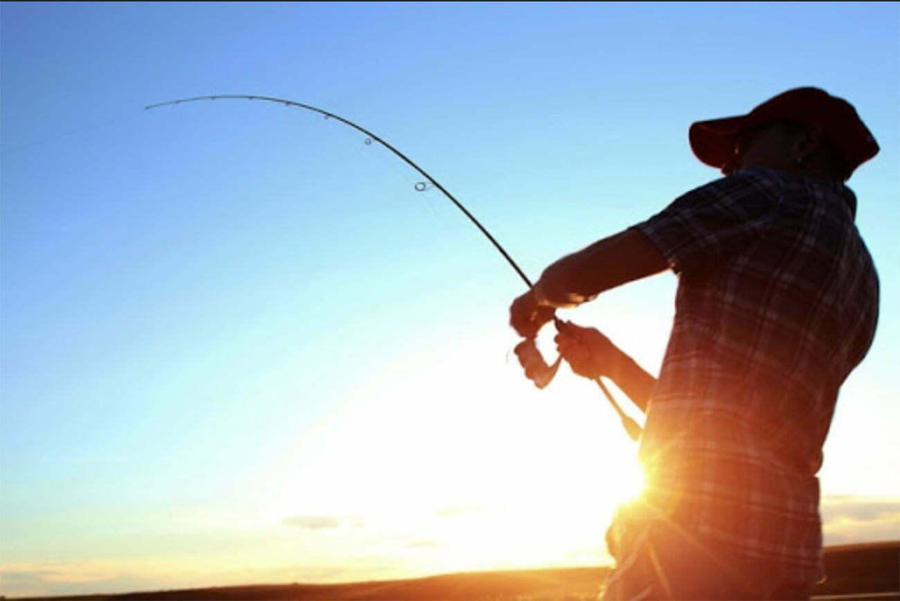 imagem de pescador esportivo
