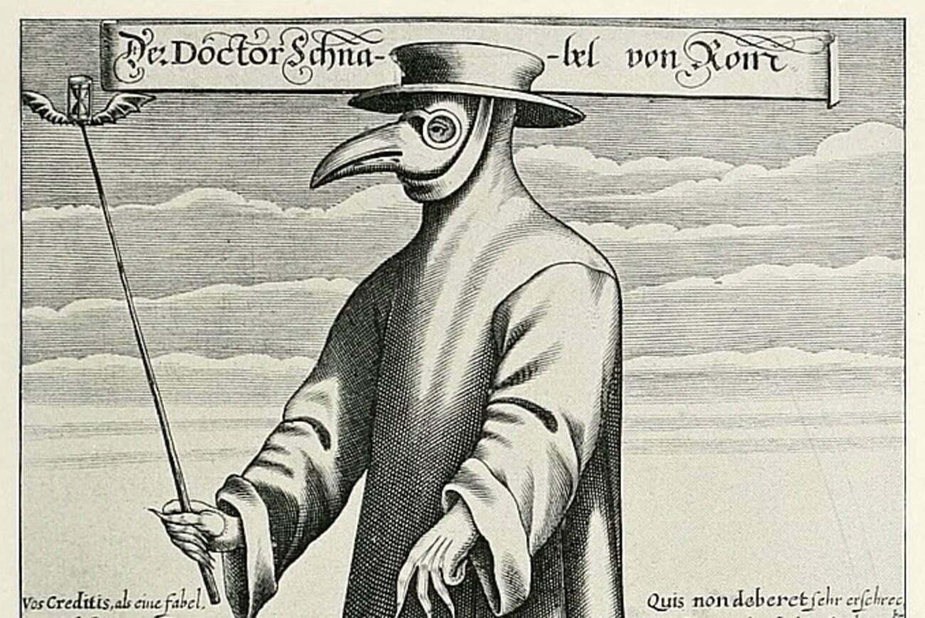 Gravura italiana de 1656 retrata um 'médico' com 'roupa protetora'