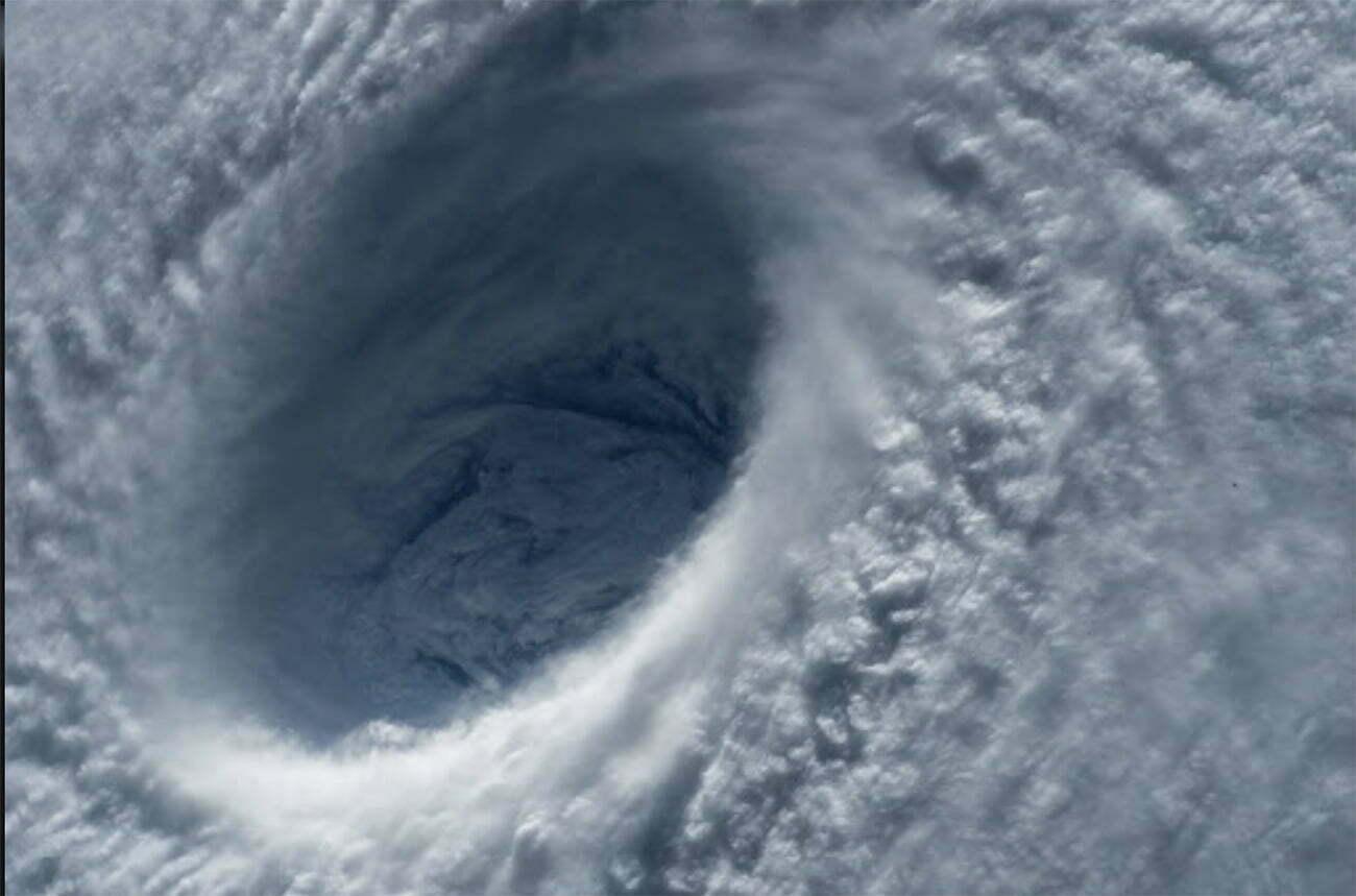 imagem mostra formação de ciclone