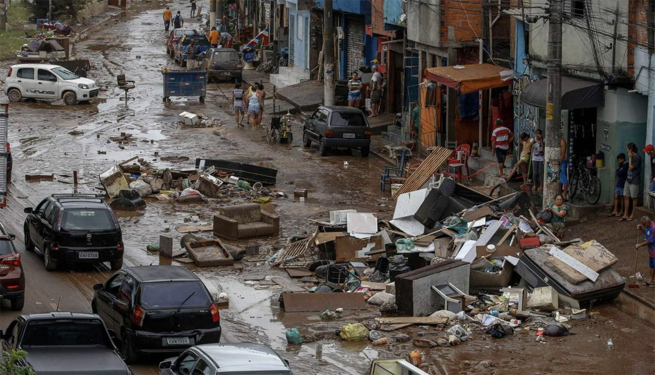 imagem de São Paulo submersa pelas chuvas