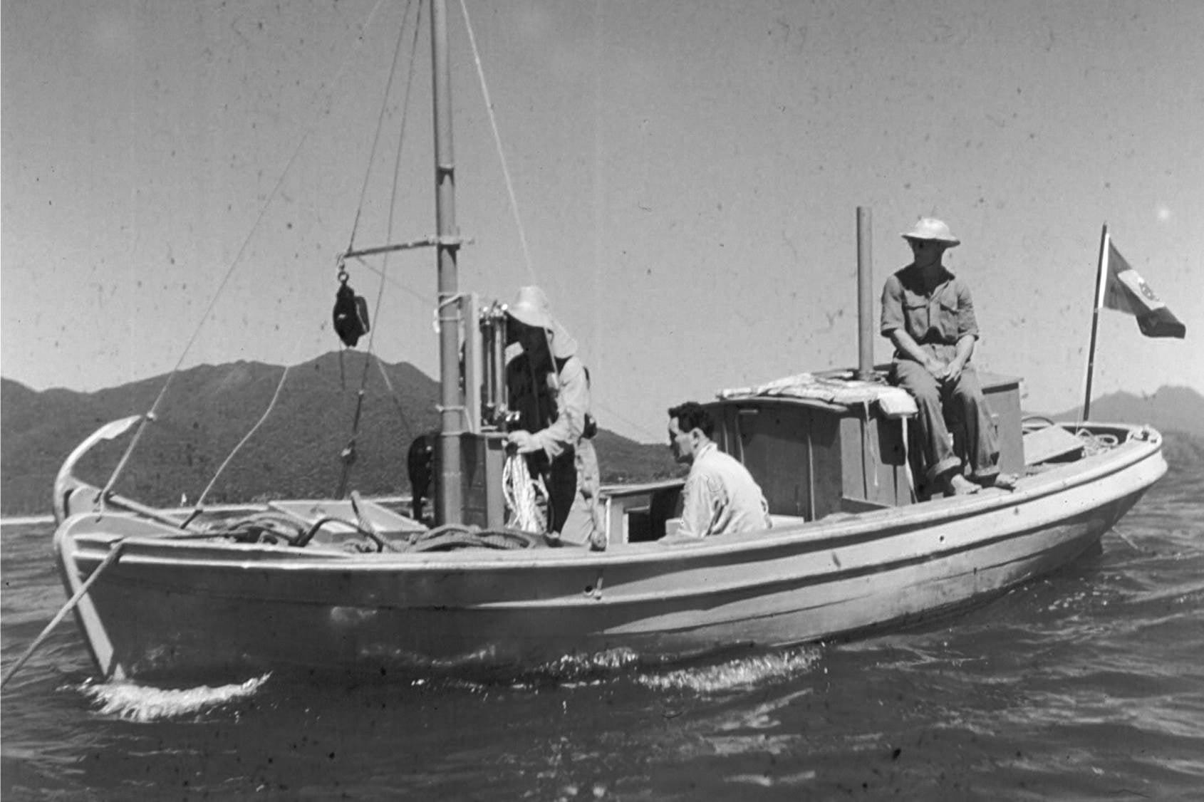 imagem do barco de pesquisa Juva-Camboriú