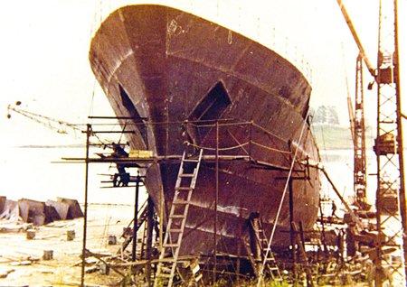 imagem de construção do navio Por.W.Besnard na Noruega