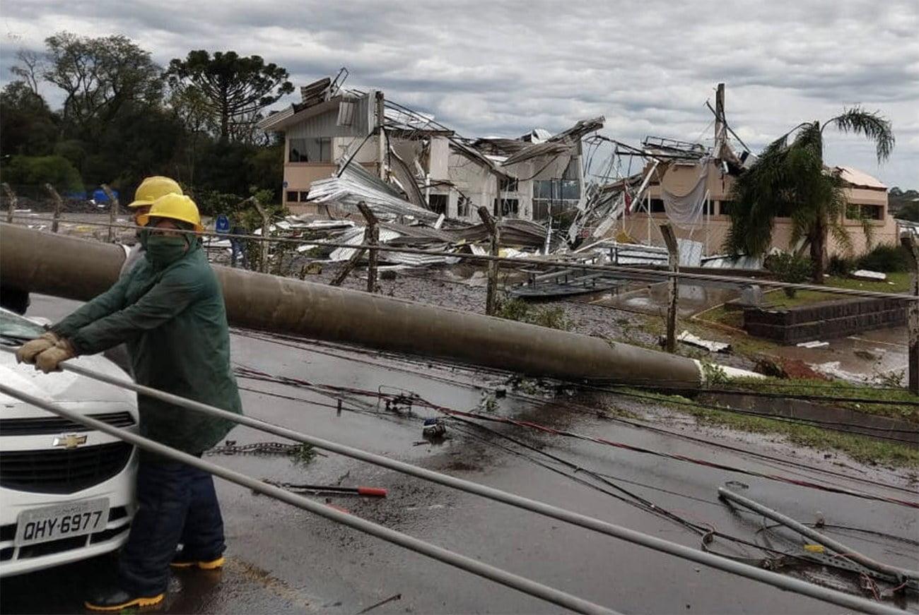 imagem da destruição provocada pelo ciclone bomba em Santa Catarina.
