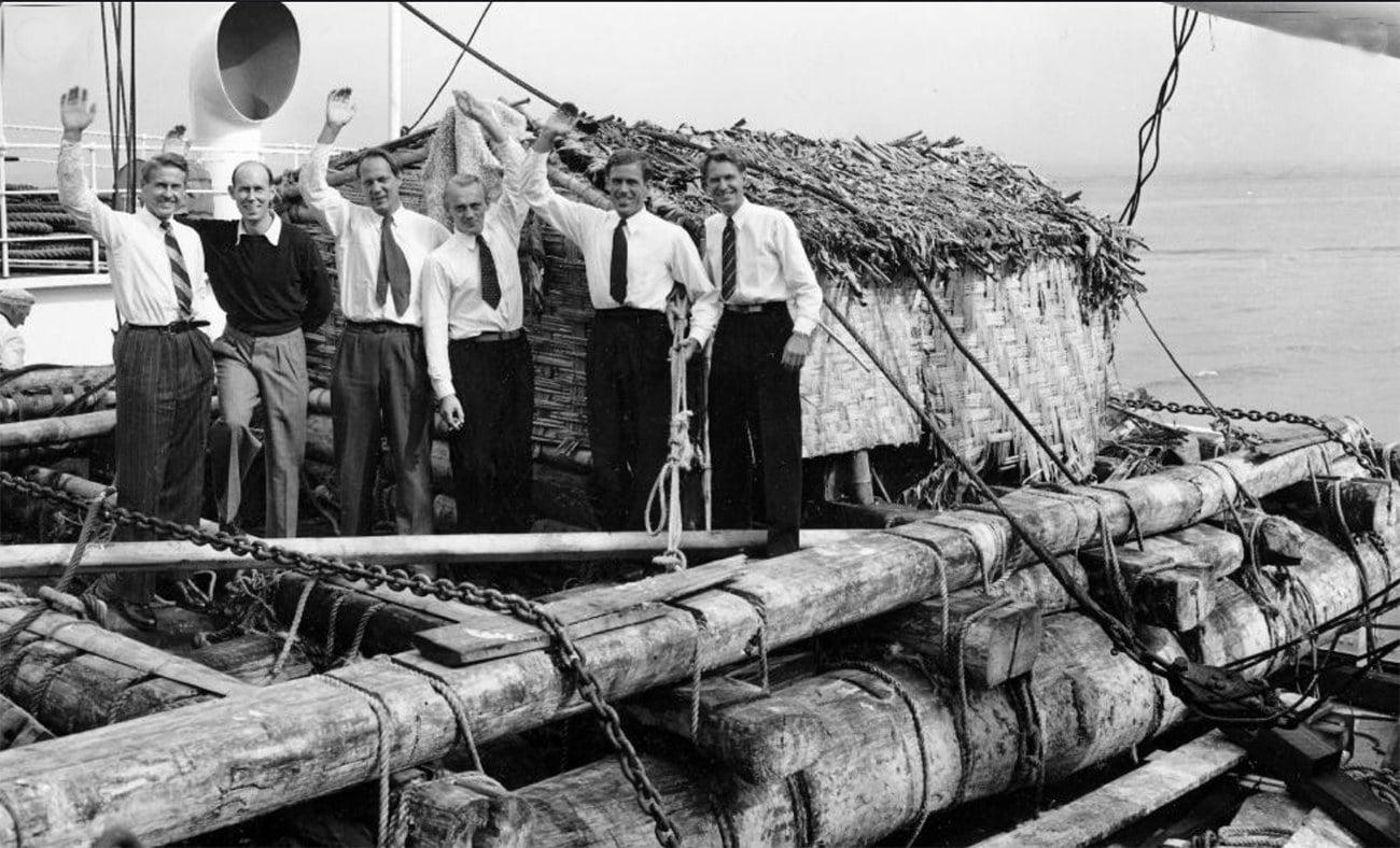 imagem da balsa Kon-Tiki no porto de Callao