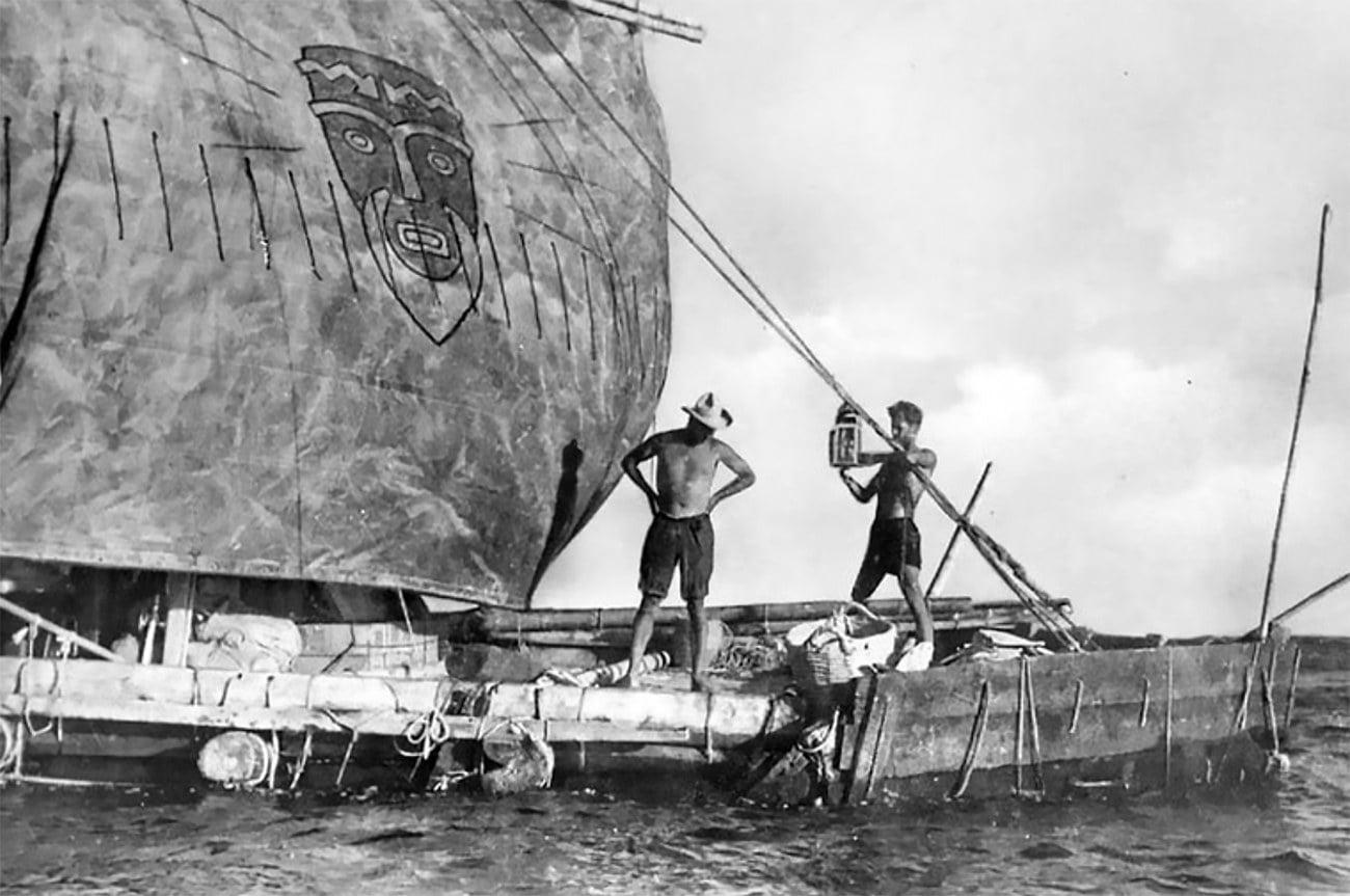 imagem da jangada Kon-Tiki em 1947
