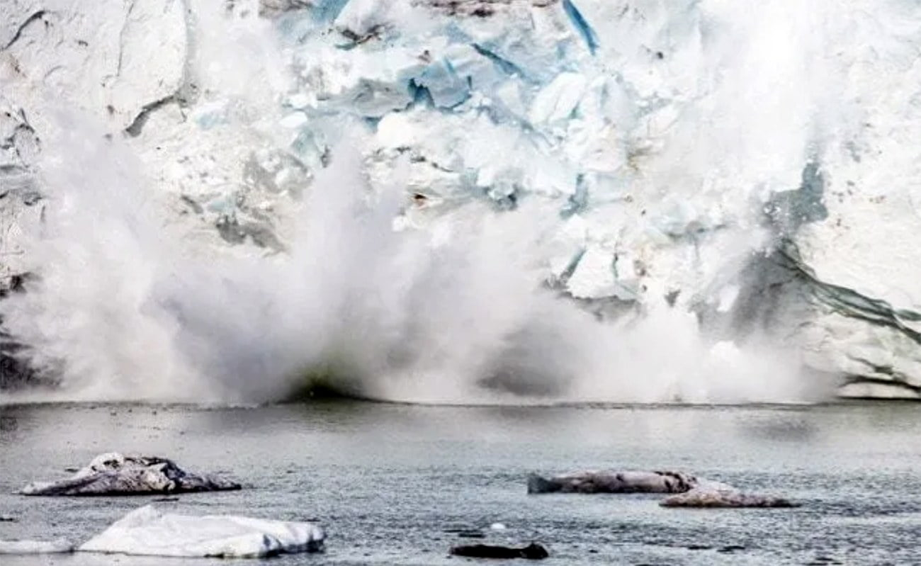 Imagem de geleira da Groenlândia derretendo