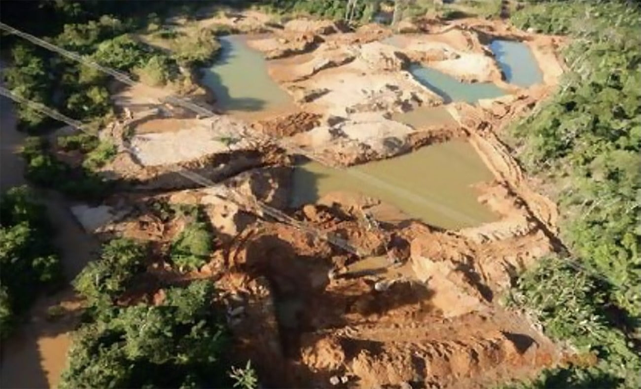 imagem de garimpo ilegal no Pará