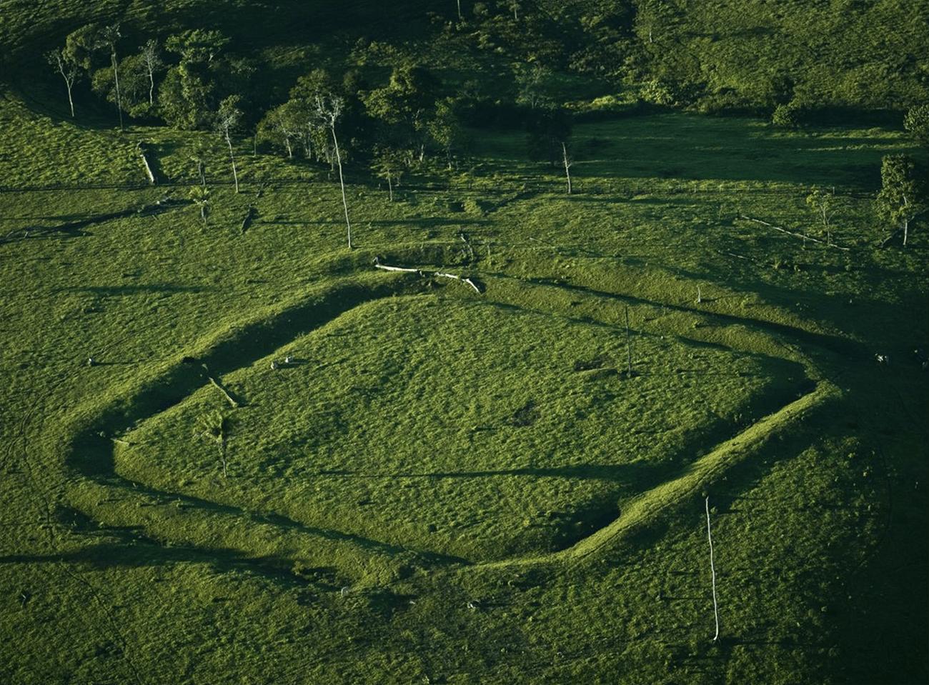 Imagem de geoglifo na Amazônia