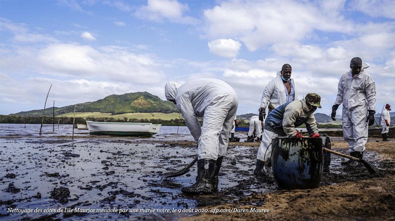 imagem de poluição por derrame de óleo nas Ilhas Maurício