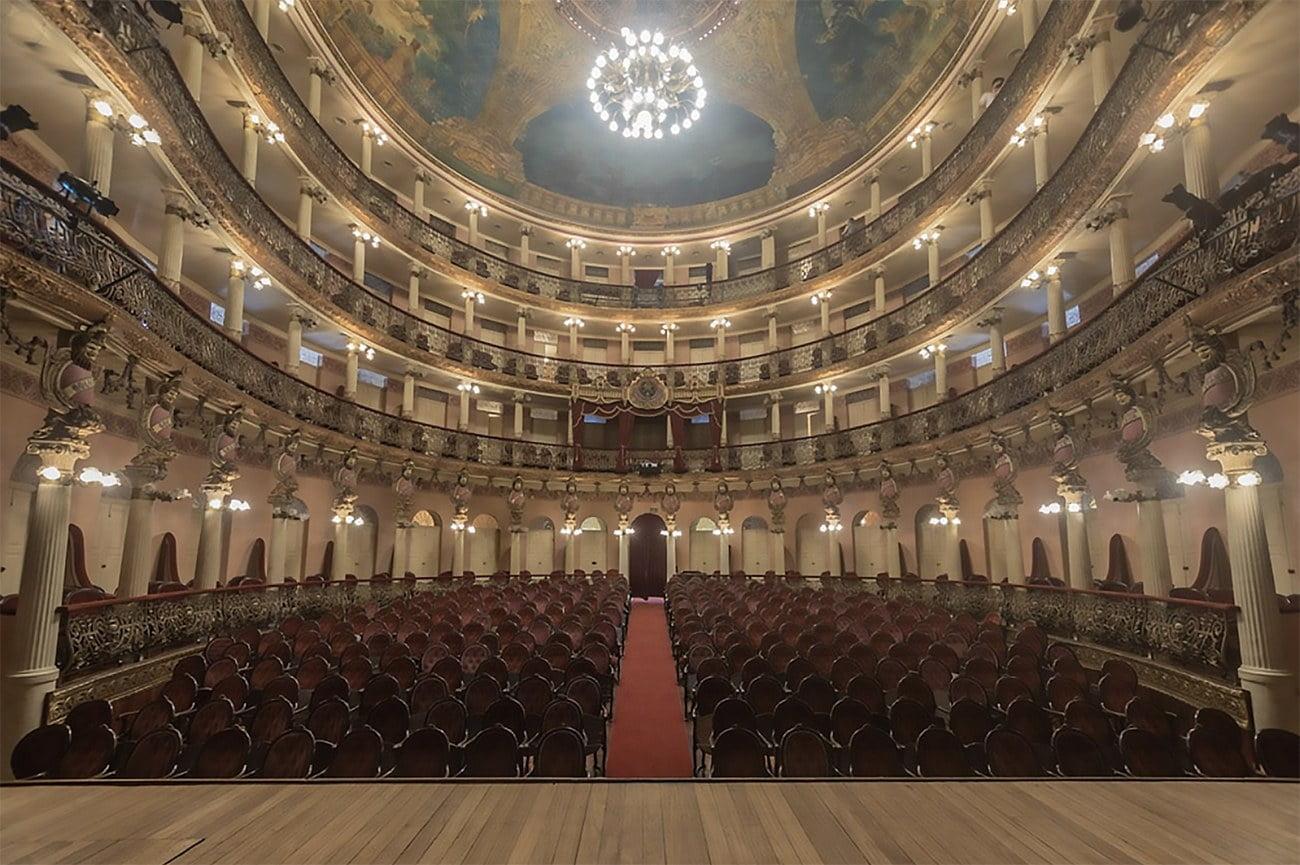 imagem do interior do teatro Amazonas