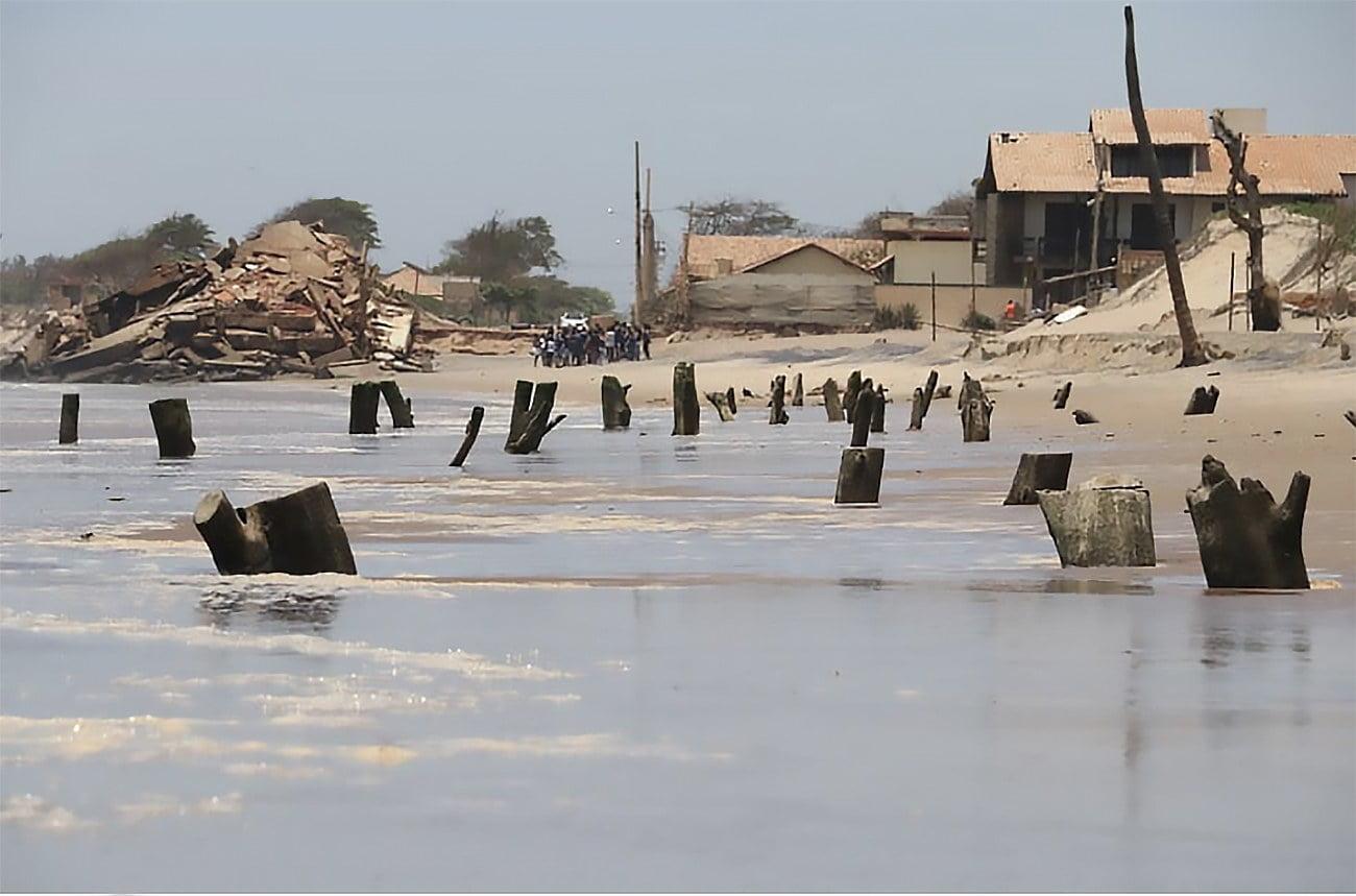 imagem de Atafona, tragada pelo mar