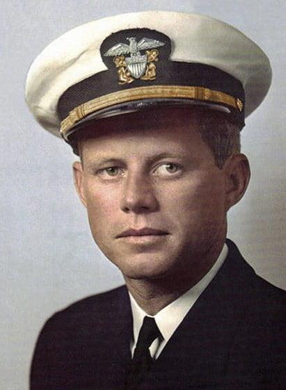 imagem de John Kennedy como tenente da marinha