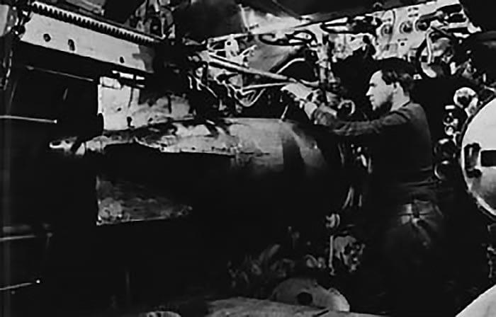 Imagem do interior do U-Boot, submarino alemão da Segunda Grande Guerra