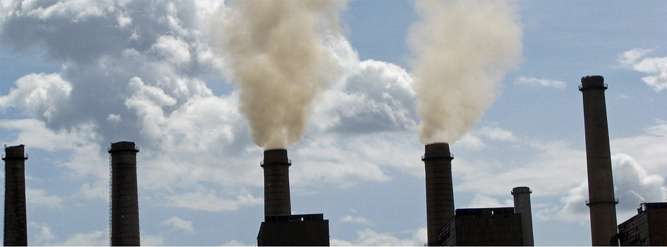 imagens de chaminés e emissões de co2