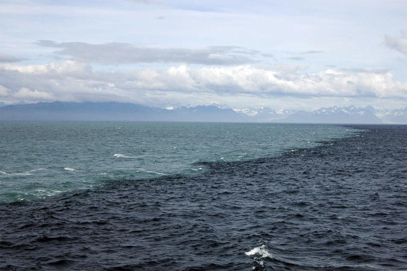 Imagem do oceano Pacífico no Alasca