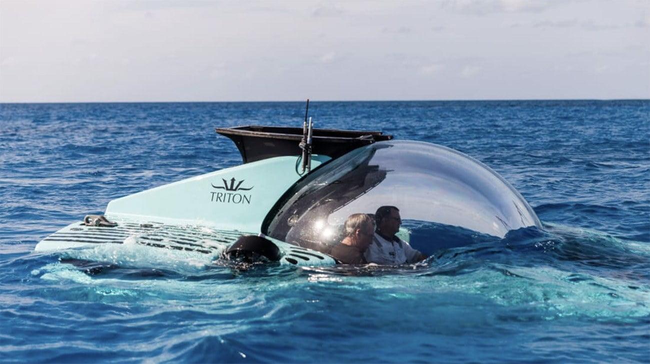 imagem do submarino particular Triton submergindo