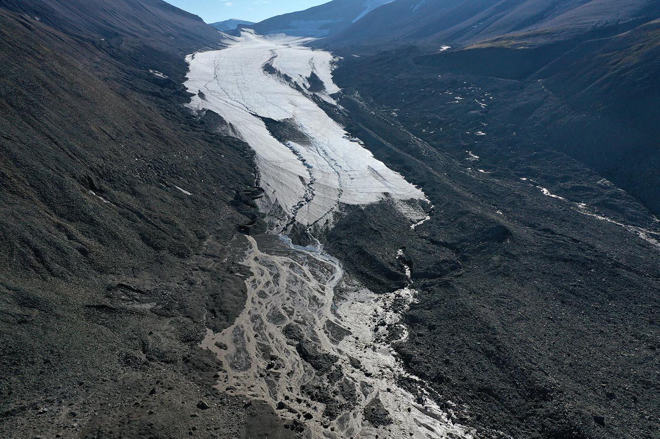 Imagem de derretimento de geleira em 2020