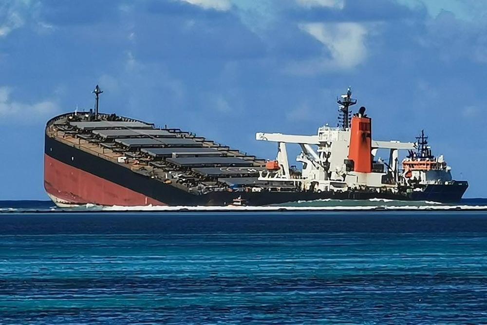 Imagem do navio que afundou nas Ilhas Maurício