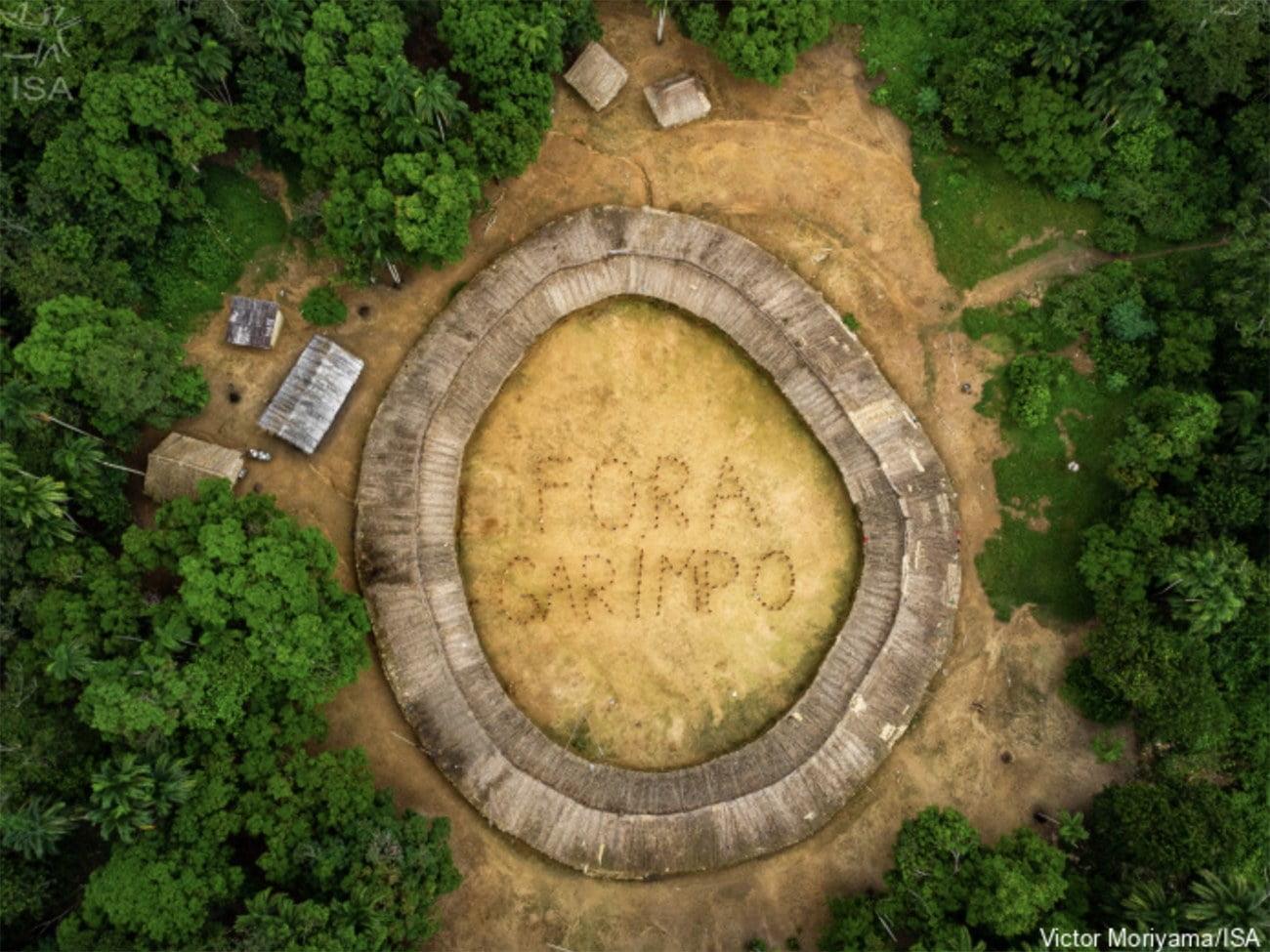 Imagem de aldeia Yanomami em Roraima